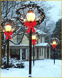 Lamppost Wreath Application