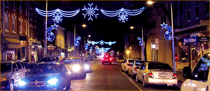 Rileighs Outdoor Decor Skylines Street Night