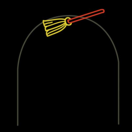 RileighsOutdoorDecor-Halloween-broom-arch